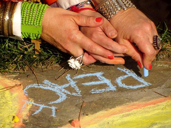 Lending a helping hand... photo: Liza Dorison