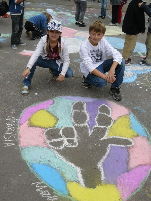 CHALK4PEACE 2011 Sept. 15 Lodz, Poland Elementary School No. 139 Organizer: Anna Tomasik (teacher) Photos: Tomasz Hałęza