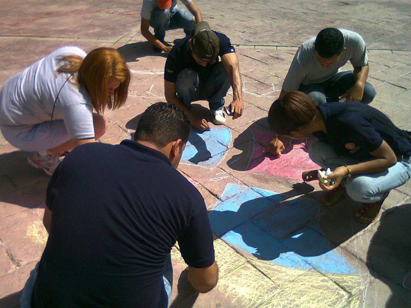 CHALK 4 PEACE 2011 Tizas Por La Paz 16 Oct. Rotaract de Villa Tapia, Dominican Republic photo: