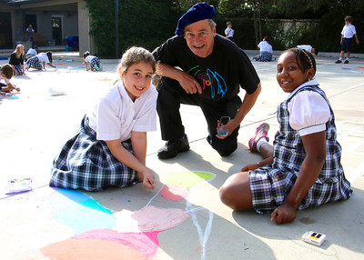 CHALK4PEACE 9/14/13  Gooden School Sierra Madre, CA John Aaron with Gooden artists photo: Meghan Snyder