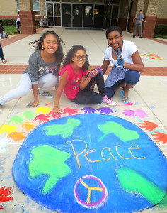CHALK4PEACE '14  Eagle View Elementary School, Fairfax, VA  photo: Jessica Chinn