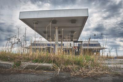Abandon gas station marathon