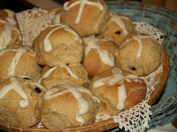 Mom's hot cross buns, Easter 2008