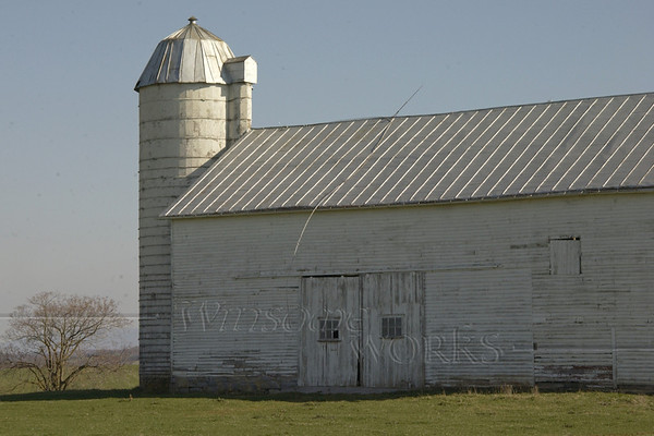 Old white barn in Harrisonburg, Virginia