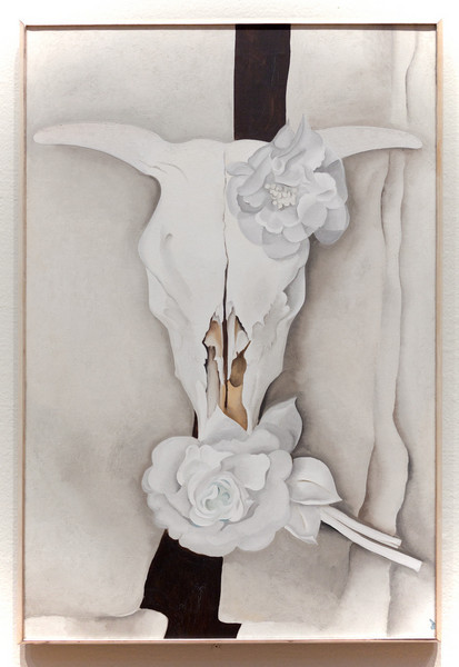 Georgia O'Keefe,Cows Skull with Calico Roses, 1931