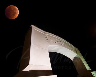 Blood Moon , Eclispe , city if St. Clair , Front street, Riverside Rd.,River Road. St.Clair Mall, Plamer Park, St Clair River, Saint Clair , 48079