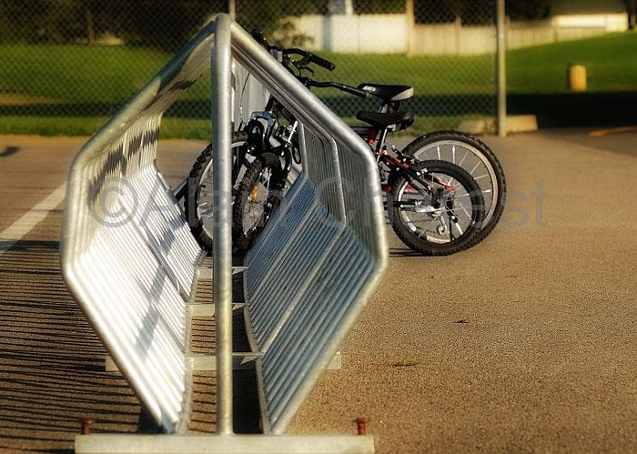 Vélos oubliés à l'école