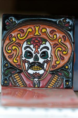 Hombre ceramic tile