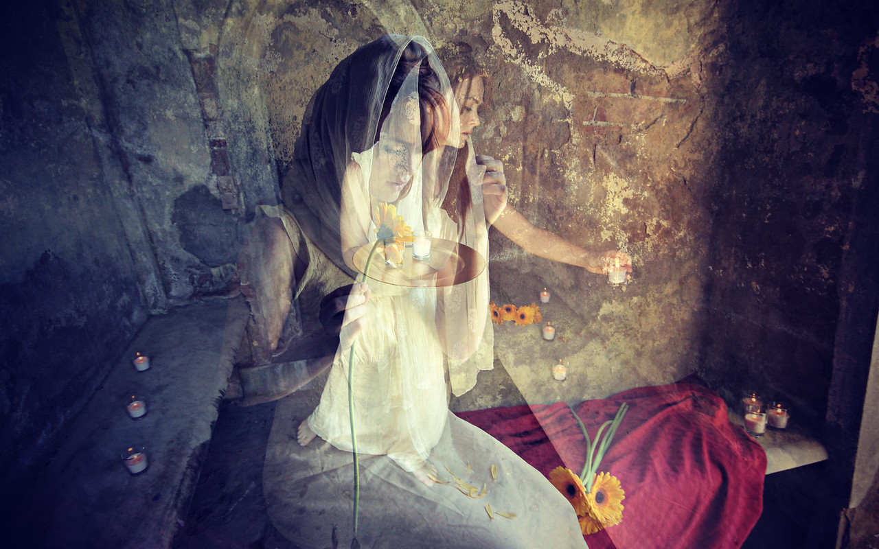 Kirsten - Cemetery Girl 2aa