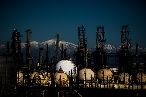 Torrance Refinery, Blocking the View