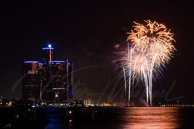 Detroit Windsor / Fireworks 12