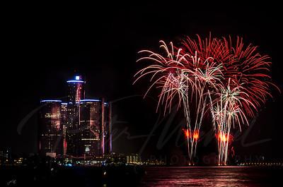 Detroit Windsor / Fireworks 1