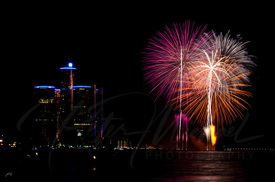 Detroit Windsor / Fireworks  2