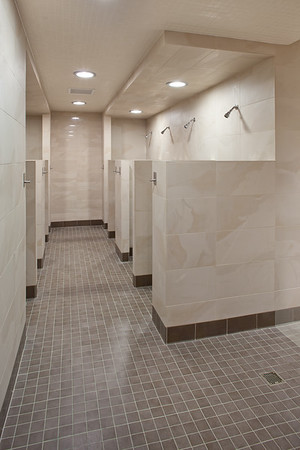 mac-menslr-joshpartee-9211-east-showers