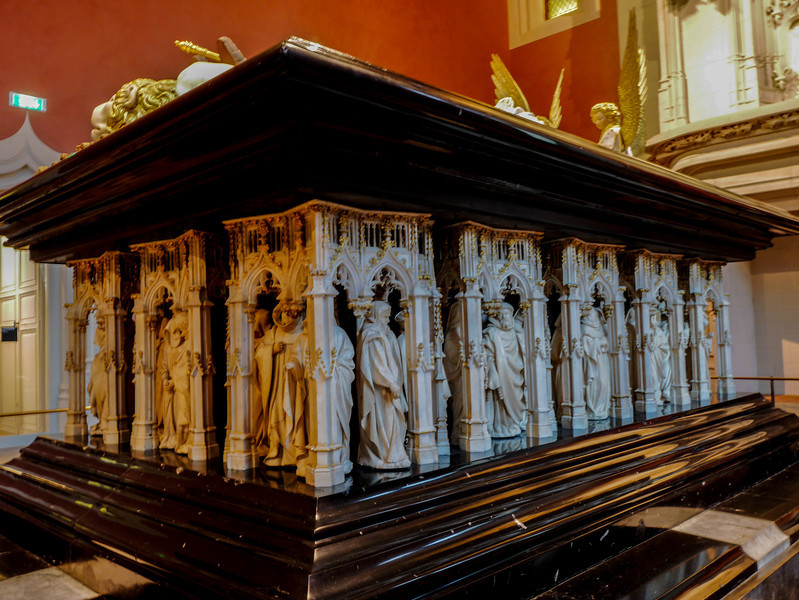 Dijon Beaux Arts Museum - The Tomb of Duke Philip the Bold - The  Mourners