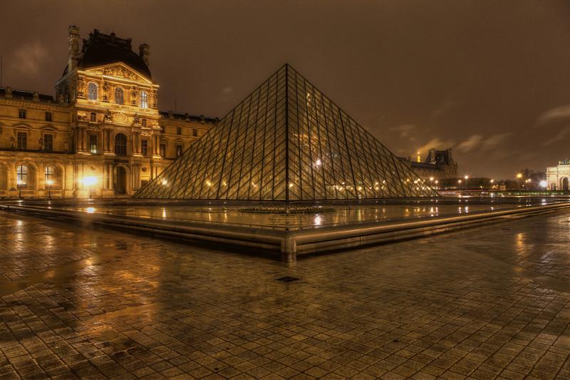 Pyramide du Louvre 4 - Louvre Paris - Night