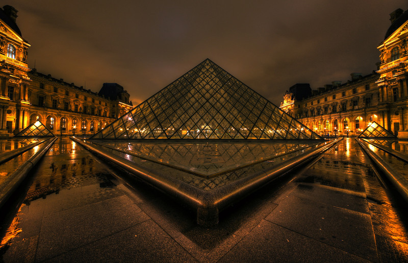 Pyramide du Louvre 2 - Louvre Paris - Night