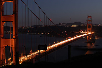 Goden Gate Bridge at night