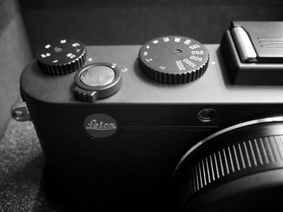 Leica X2 Unboxing// Macro Monochrome//
