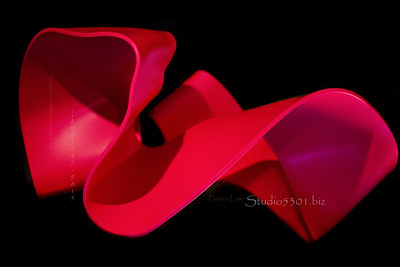 red sRGB ribbon art LUX 9371 cf2