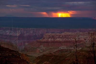 Grand_Canyon_Lightning_7050_17_16bit-2sRGB cf ProC