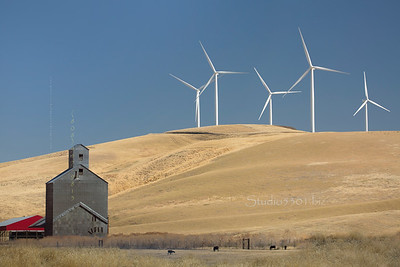 Wind turbines 1027 1032 Lewiston  WL Pat L  DD edit-2sRGB