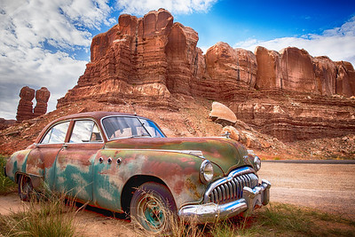 old car bgtr sRGB red rock mountain no WM 4590 Studio5301