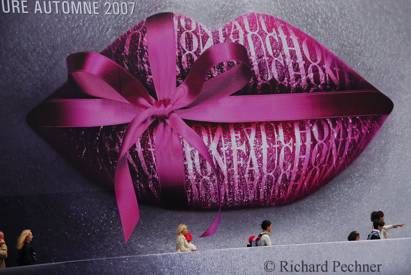 Large Fauchon ad outdoors