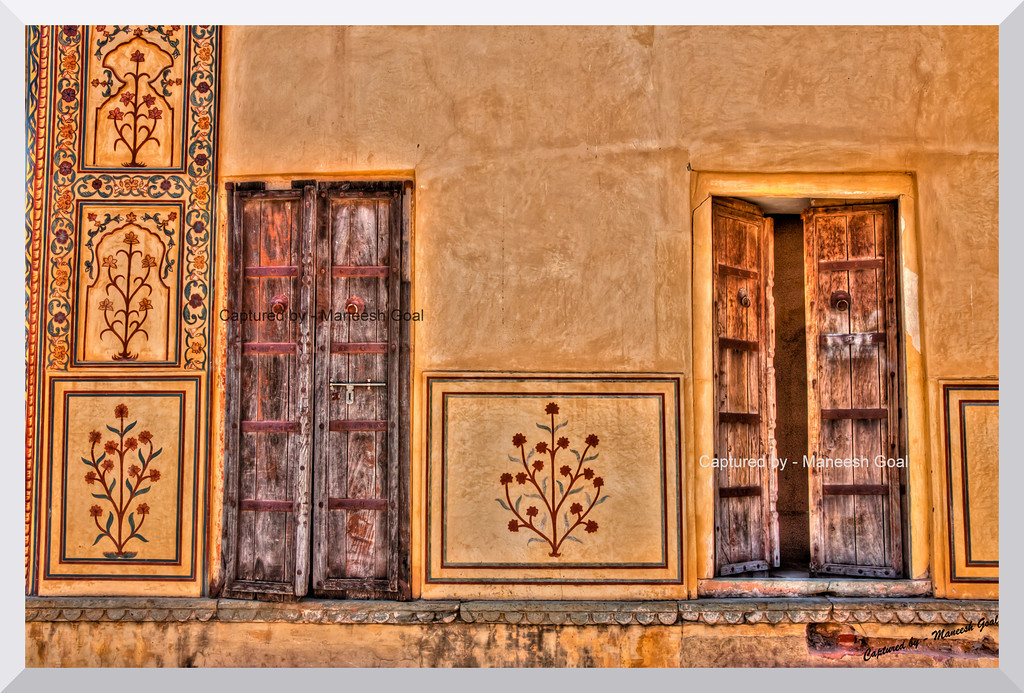 When one closes, the other opens! | Doors @ Amber (Amer) Palace, Jaipur (Rajasthan)