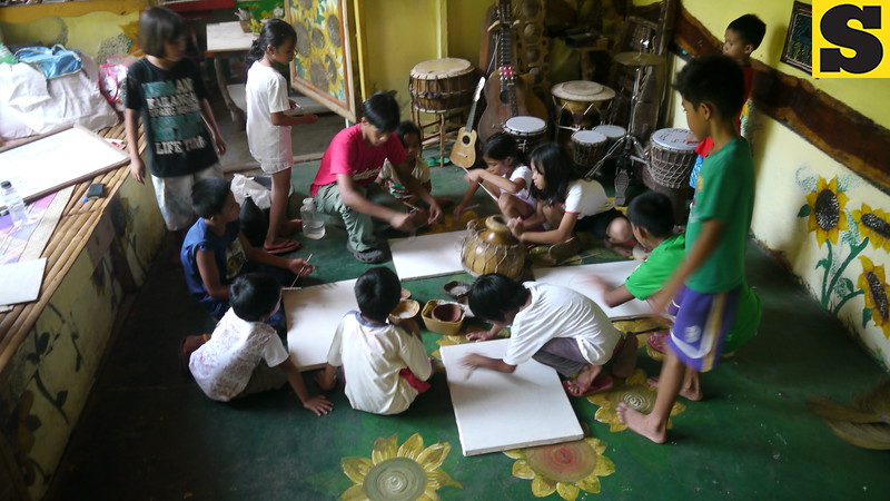 CAGAYAN DE ORO. Visual arts workshop for children. (Maria Rosalie Zerrudo)