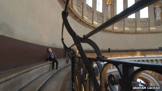 _64857911_whispering_gallery