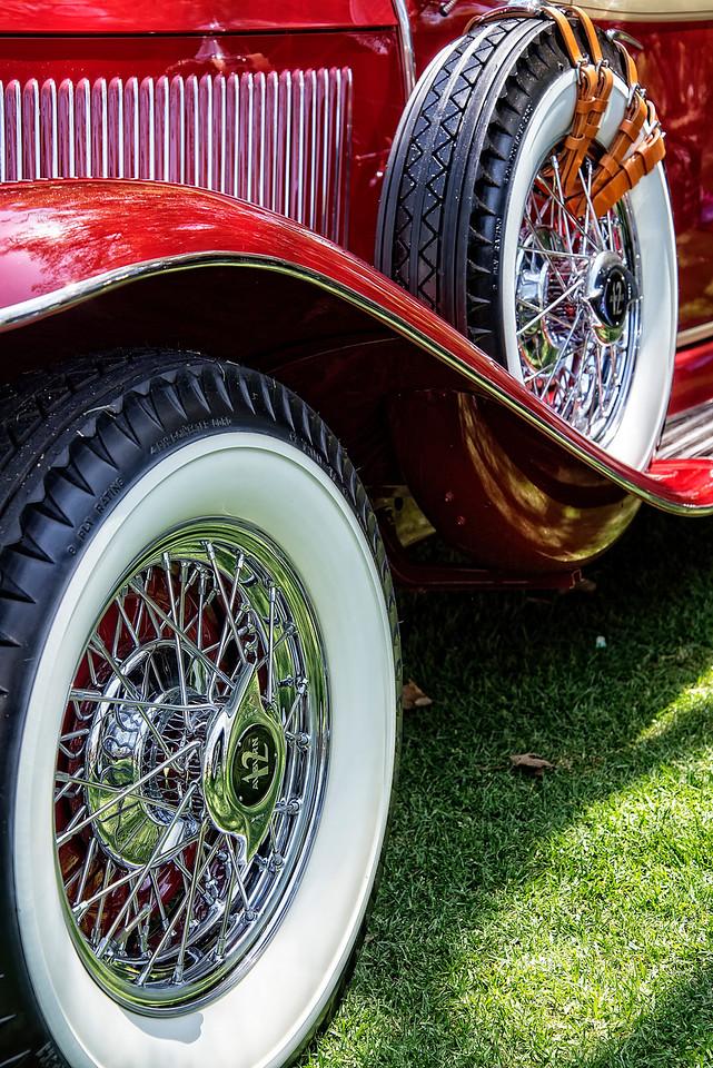 Auburn 1934 White Wall Tire & Spare