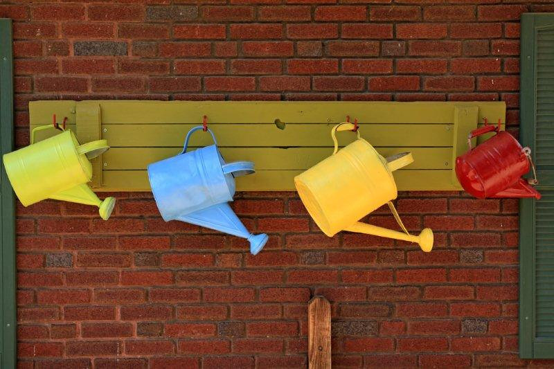 Watering cans 6348