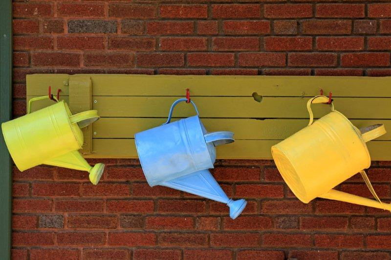 Watering cans 6347