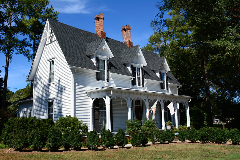 I took several different photos of this house on the main street. Just loved the old architectural features!