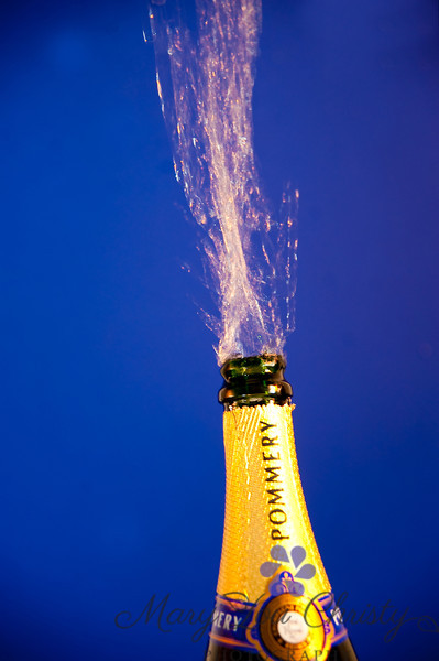 Champagne popping-4