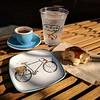 A pleasant snack for a cyclist at Café de Leche, Highland Park.