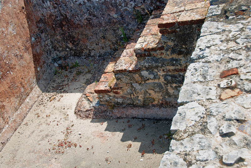 <center>Rectilinear Penumbra  Ancient Roman House: Conimbriga, Portugal © R. Meadows-Rogers, 2008</center>