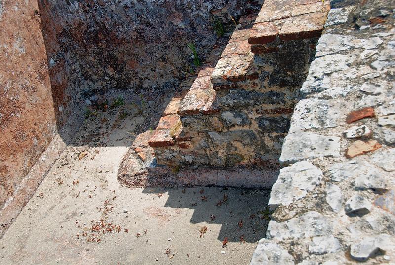 <center>Rectilinear Penumbra  Ancient Roman House: Conimbriga, Portugal © R. Meadows-Rogers, 2008</center>