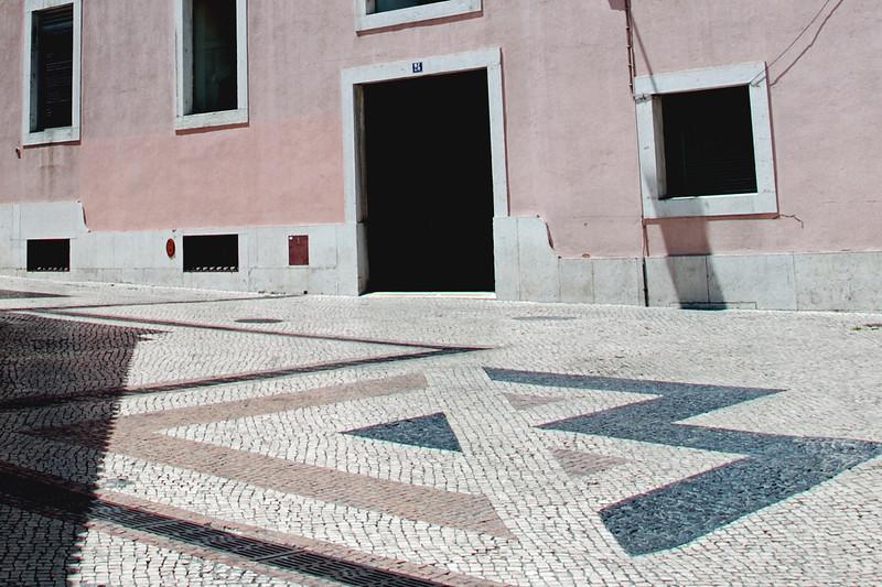 <center>Lisbon, Portugal July, 2008 © R. Meadows-Rogers, 2008</center>