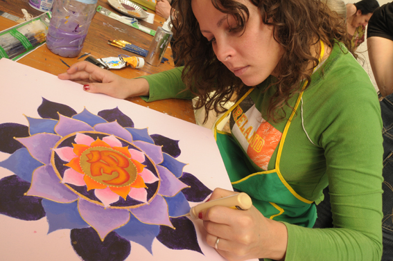 """A 4 day workshop in Mandala painting with Swedish artist and musician Erik Grind, assisted by Ann Marie Grind and Monica Prentice. In the Resdience d'Artiste Al Maqam, owned by Mourabiti A bi-cultural experience.<br />  <a href=""""http://www.mandalas.nu"""">http://www.mandalas.nu</a>"""