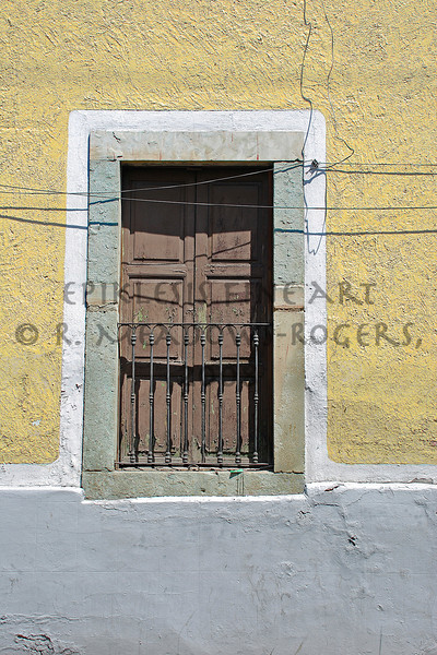 <center>Illusions of Solitude (Guanajuato, Mexico) © R. Meadows-Rogers, 2007</center>