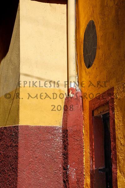 <center>Meridian (Guanajuato, Mexico) © R. Meadows-Rogers, 2007</center>