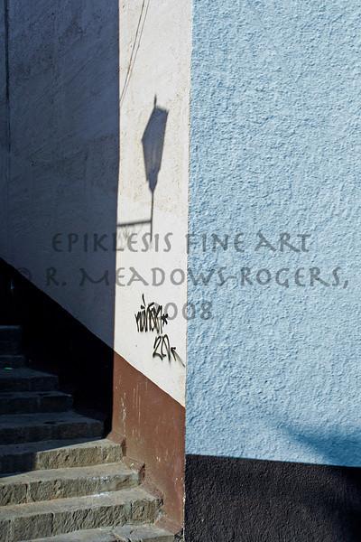 <center>Shadows Offer a Certain Guidance (Guanajuato, Mexico) © R. Meadows-Rogers, 2007</center>