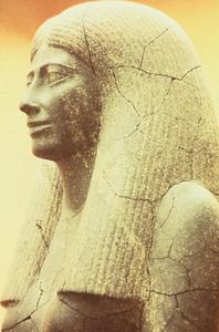 Statue of Lady Sennuwy9