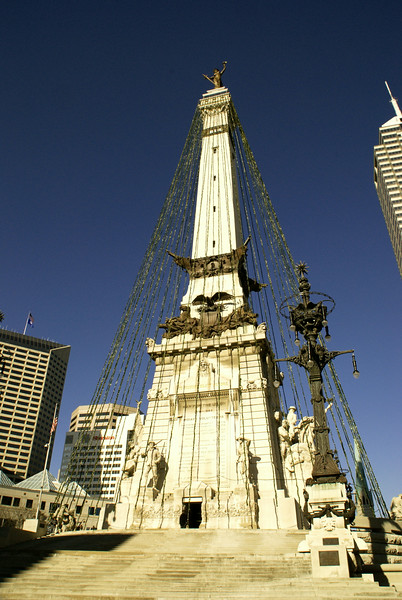 CHRISTMAS IN DOWNTOWN INDIANAPOLIS