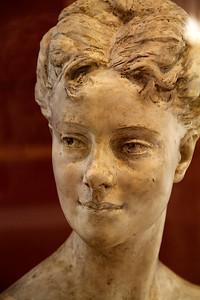Jean-Baptitste Carpeaux : Mademoiselle Fiocre, danseuse de l'Opéra (1870) Musée De Dijon, France  (Le modèle original (Salon de 1870) est conservé au Musée d'Orsay)