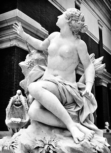 Domenico Guidi : Andromède (1694) Metropolitan Museum