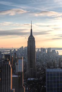The Mighty Empire State Building gets a Small Visitor