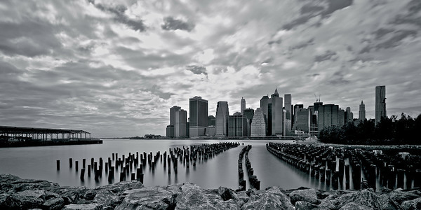 Lower Manhattan seen from Brooklyn Bridge Park